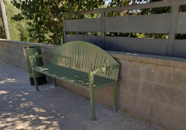 ספסל מתכת מעוצב