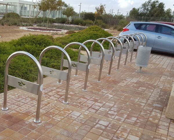 מתקן אופניים ו U - רכבת ישראל