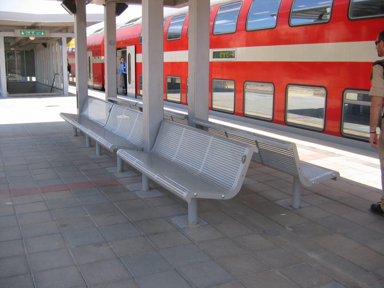 ספסלים למרחב הציבורי