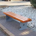 ספסל עץ ומתכת קסטל 703